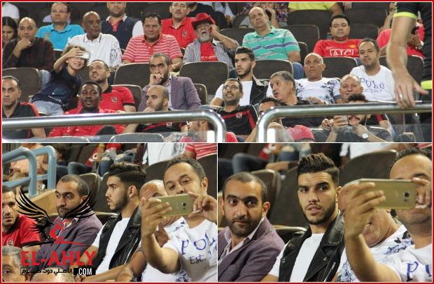 وليد أزارو يشاهد تتويج الأهلي بالدوري