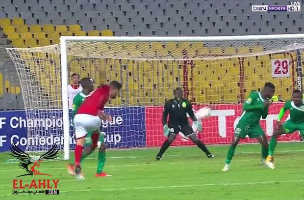 بعد سلسلة تمريرات .. السعيد يسجل هدف الأهلي الثاني في مرمى القطن