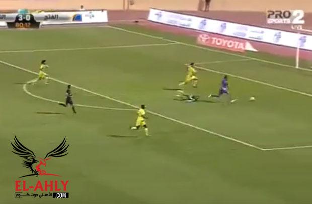 في أول مباراة له بالسعودية .. الزقعان يراوغ الحضري ويسجل في شباكه