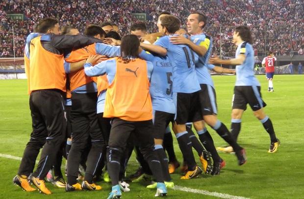 أوروجواي تخطف فوزا هاما من باراجواي في تصفيات المونديال