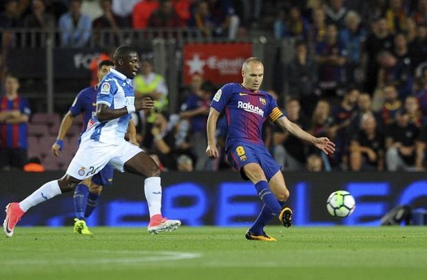 إنيستا يقلق جماهير برشلونة بتصريحات غامضة حول مستقبله