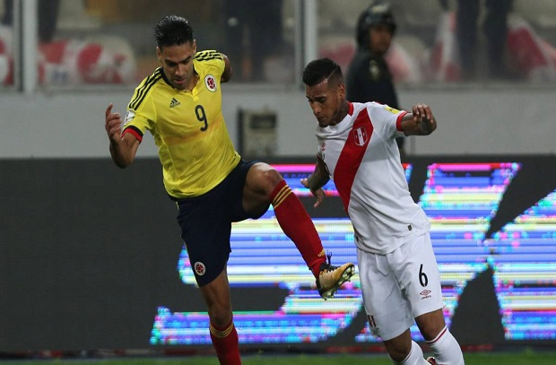 بعد فيديو فالكاو ... شيلي تدرس تقديم شكوي للفيفا ضد بيرو وكولومبيا