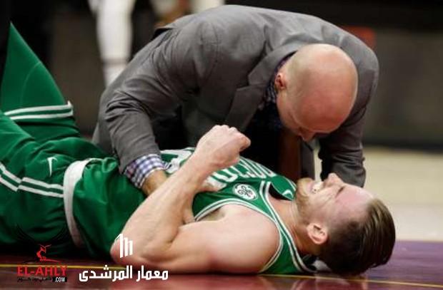 إصابة مفزعة للاعب  سلتيكس بافتتاح مباريات NBA