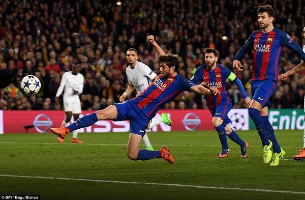 بطل الريمونتادا يفوز بجائزة أفضل لاعب كتالوني متفوقاً على بيكيه وبوسكيتس
