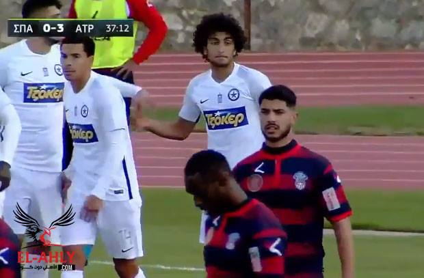 عمرو وردة يسجل هدفين ويقود فريقه لفوز برباعية كاسحة في كأس اليونان