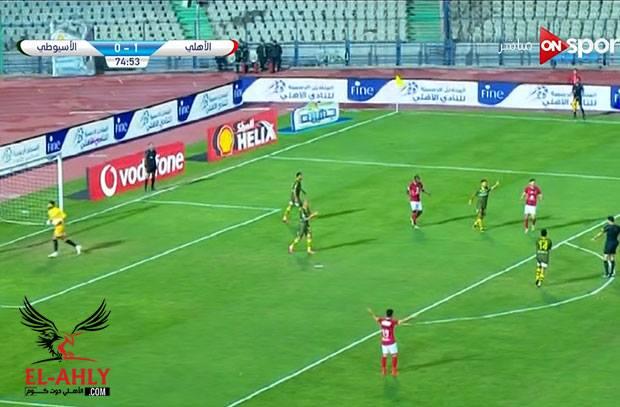 الجاهل بلوائح كرة القدم جهاد جريشة يلغي هدف للأهلي ليحتسب مخالفة لاجايي!