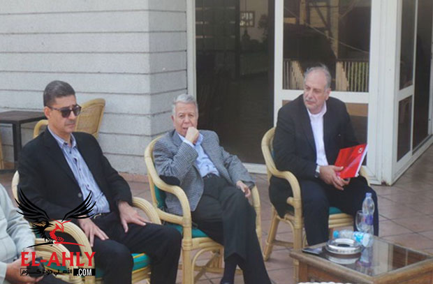 الأهلي يدعو حسن حمدي ومحمود طاهر لحضور مباراة أتلتيكو مدريد