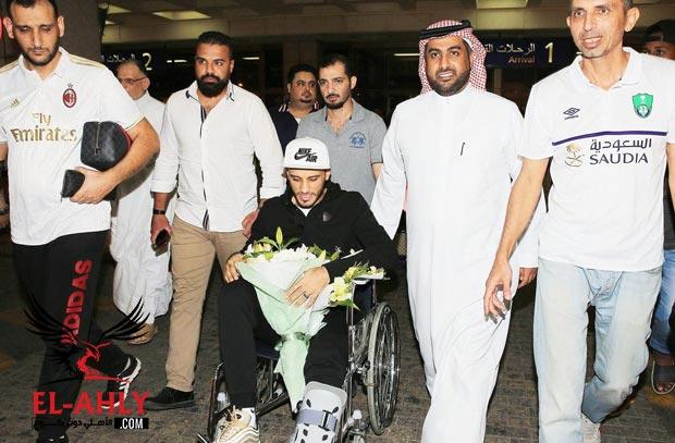 السومة يعود من ألمانيا بعد جراحة ناجحة ويعلن موعد عودته للملاعب