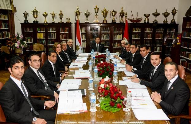 مجلس إدارة الأهلي برئاسة الخطيب يحضر مباراة السوبر