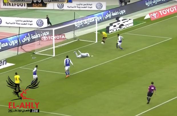 مهاجم المنتخب التونسي يهدر أسهل فرصة لتسجيل هدف قد تراها في حياتك!
