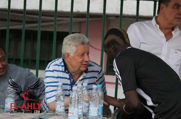 كوفي يتحدث اخيراً .. اللاعب البوركيني يؤكد اعتداء مرتضي منصور عليه بالضرب