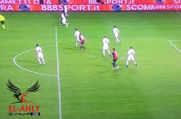 مدافع إنتر ميلان يسجل هدف كوميدي في مرماه أمام جنوى