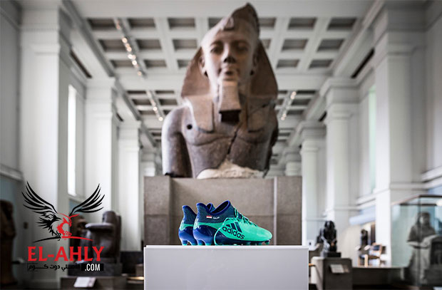 المتحف البريطاني بإنجلترا يعلن عن وضع حذاء محمد صلاح مع الاثار المصرية