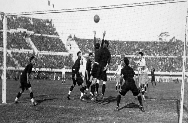 حكاية نهائي 1.. 1930 أوروجواي بدون حارسها الأساسي تفوز باللقب الأول