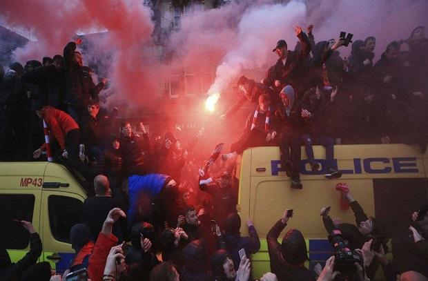 عقوبة مالية وحرمان الجماهير عقوبة روما بسبب ليفربول