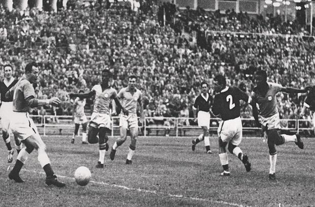 تاريخ كأس العالم  7 .. 1958 غزارة تهديفية فرنسية في فوز البرازيل باللقب الأول