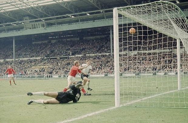 تاريخ كأس العالم 9 .. 1966 إنجلترا تستضيف وتفوز بالبطولة الأولي والأخيرة في تاريخها