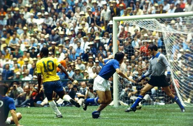 تاريخ كأس العالم  10 .. 1970 المكسيك تستضيف البطولة للمرة الأولي لتكتب البرازيل التاريخ