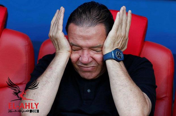 نبيل معلول يبكي أثناء عزف النشيد التونسي