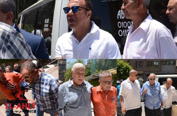 محمود الخطيب والعديد من نجوم الرياضة المصرية في وداع عبد الرحيم علي