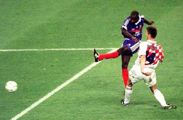 المواجهة تتكرر بعد 20 عام .. عندما أحرز تورام جميع أهدافه الدولية لتتأهل فرنسا للنهائي