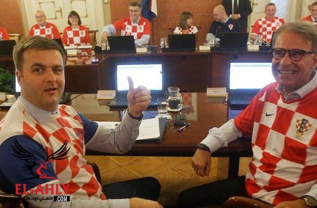 بعد الانتصار التاريخي .. اجتماع رسمي للحكومة الكرواتية بقمصان المنتخب