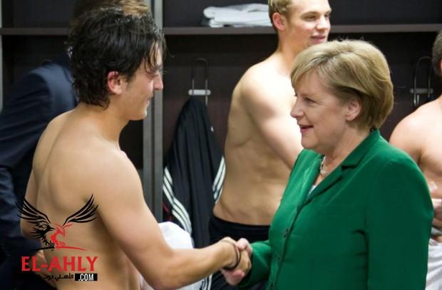 رئيس بايرن ميونيخ يفتح النار على أوزيل: لاعب سيء ولم يقدم أي شيء للمنتخب الألماني