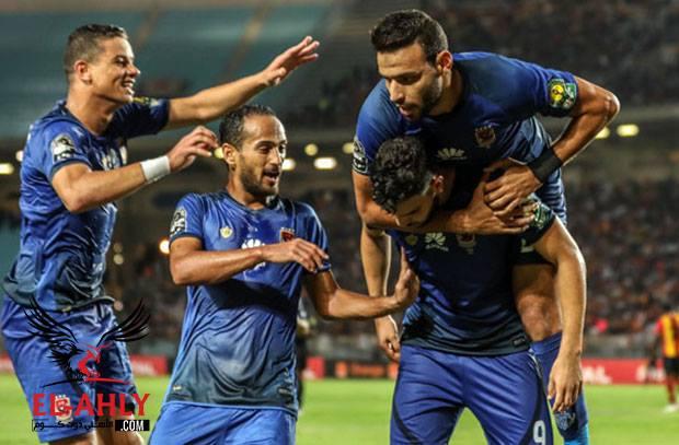 ما لم تنقله بي ان سبورتس .. شاهد احتفالات مجنونة للاعبي الأهلي بعد قهر الترجي