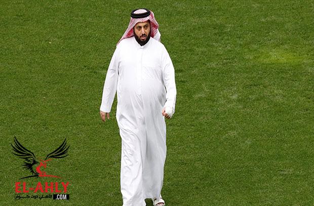 آل الشيخ يهاجم عبد الفتاح: لا نقتنع بك في لجنة التحكيم وتقول عرضنا عليك العمل معنا!