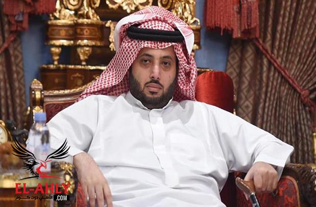 """بعد أنباء عن براءة حكم فضيحة """"الرشوة"""".. تركي آل الشيخ يرد بقوة"""