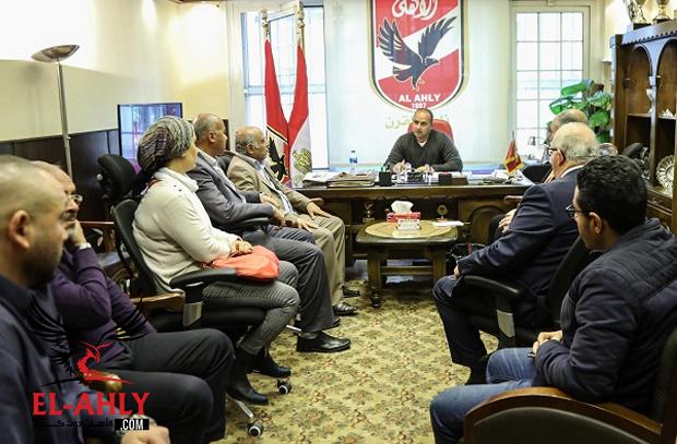 مرجان يجتمع بالمديرين الجدد في الأهلي.. والخطيب يهنأهم