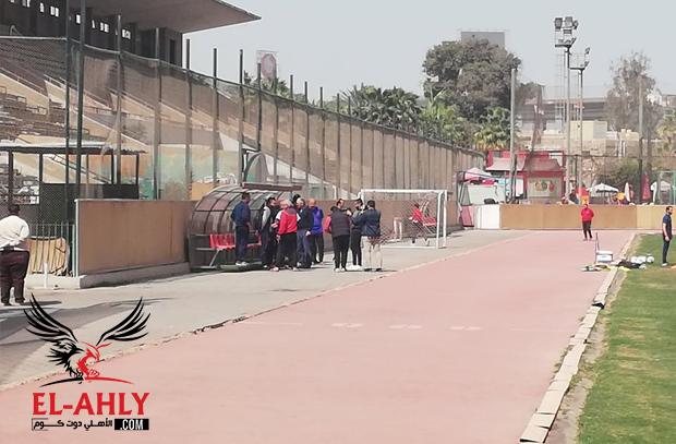 ضيف جديد في مران الأهلي.. والخطيب في استقباله