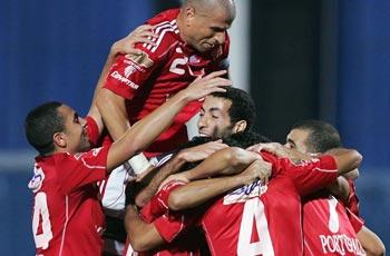 نجوم الأهلى يتحدثون بعد مباراة انبى والجزائر الشاغل الرئيسى للجميع