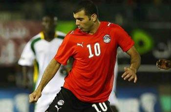 الصقر يتسلم جائزة أفضل لاعب ويجري إلى غرف الملابس ومتعب يغيب عن المقاولون