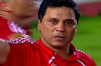 وسط دموع البدري : فرحة عارمة وهتافات مدوية وعلاء مبارك فى غرفة ملابس الفريق