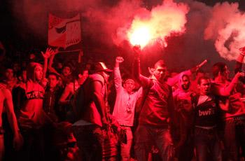إستاد القاهرة ينفجر بهتاف الجماهير وتحية اللاعبين وقناة الأهلي تحتفل بالقمة