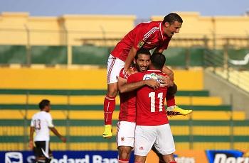 شاهد تحية يوسف لإكرامي وفرحة لاعبي الأهلي باحتلال قمة المجموعة الأفريقية