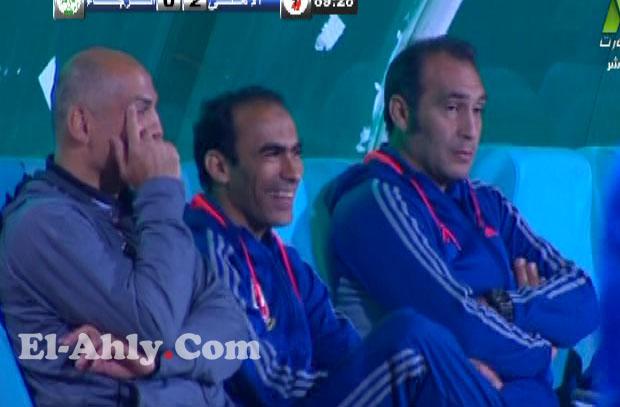 وصلة ضحك هستيرية بين يوسف وعبد الحفيظ على الدكة وسط المباراة