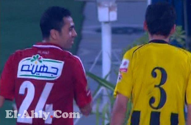 """شاهد فتحي يكيد في فضل """"المتنرفز"""" قبل مغادرة الملعب بلحظات"""