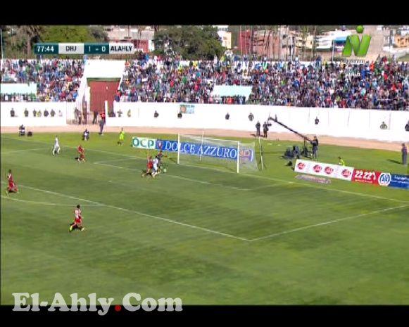 المعلق المغربي يترك المباراة ويمتدح الأهلي وصالح سليم
