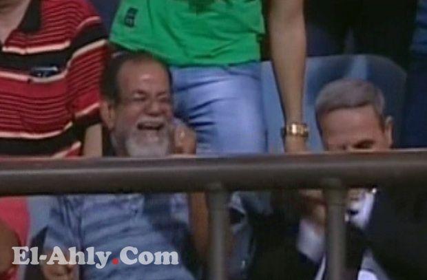 رقصة الأهلاوي توضح حال جمهور الأهلي بعد رباعية بتروجيت وخسارة الزمالك