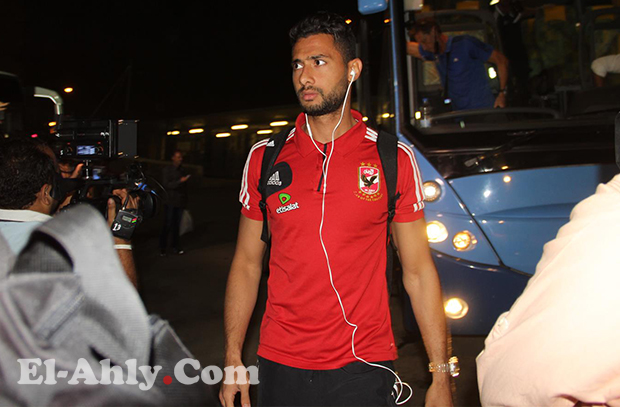 أحمد عادل ينتقل من إستاد القاهرة للمستشفي سريعاً