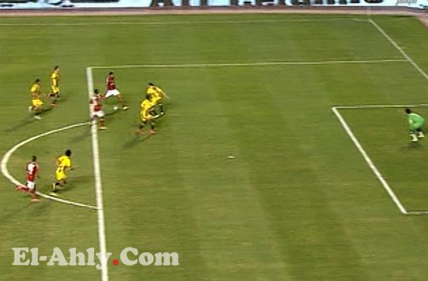تريزيجيه يهدر هدف بعد مراوغة من منتصف الملعب
