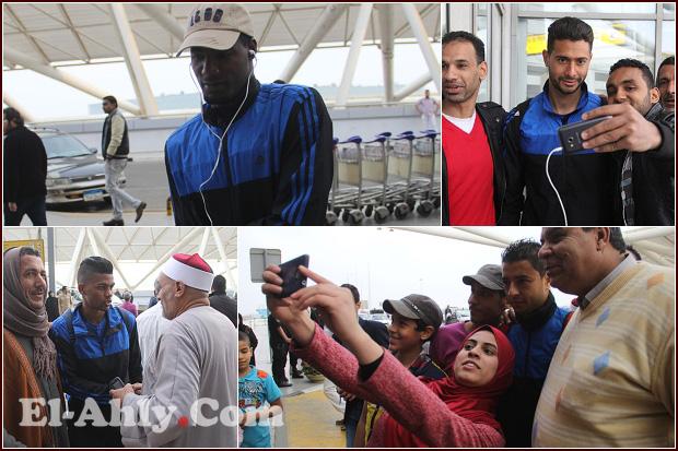 """""""سيلفي حريمي"""" وتأهب بين اللاعبين في صور مغادرة الأهلي للمغرب"""