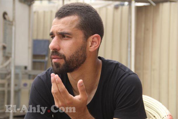 مشاجرة عنيفة بين عبد الله السعيد وصحفي فور نهاية المباراة