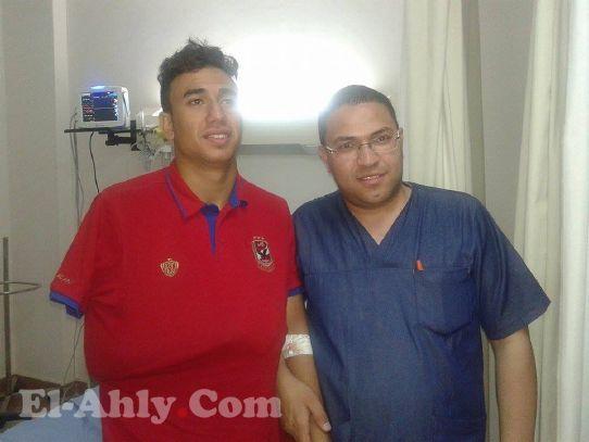 تريزيجيه يغادر المستشفي