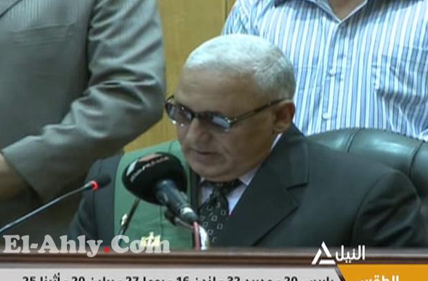 """قاضي محكمة بورسعيد يلوم فهيم عمر """"حكم المجزرة"""" في رسالة أمام العالم"""