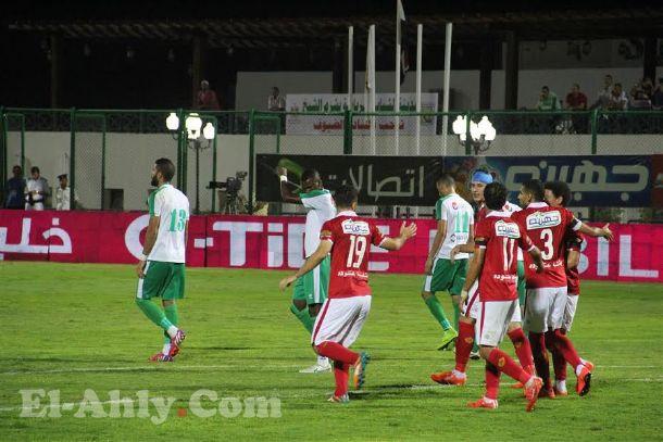 الأهلي يحقق الفوز علي المصري بهدفين نظيفين