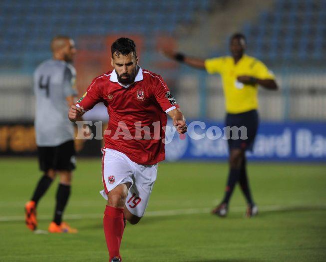 تصويبة عبد الله السعيد تضيف الهدف الثالث للنادي الأهلي