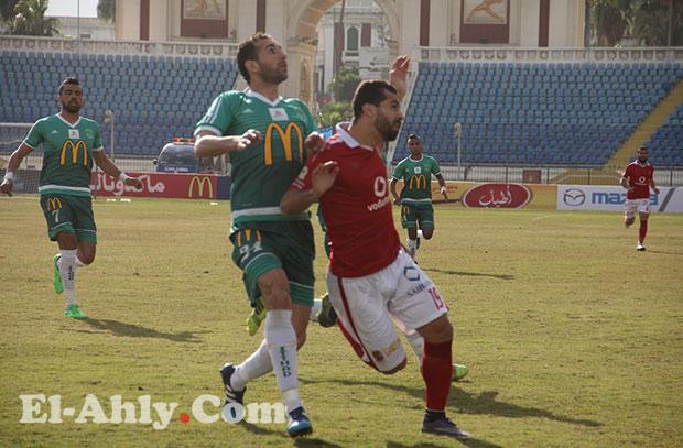 عبد الله السعيد شارك في مباراة الإتحاد رغم إصابته